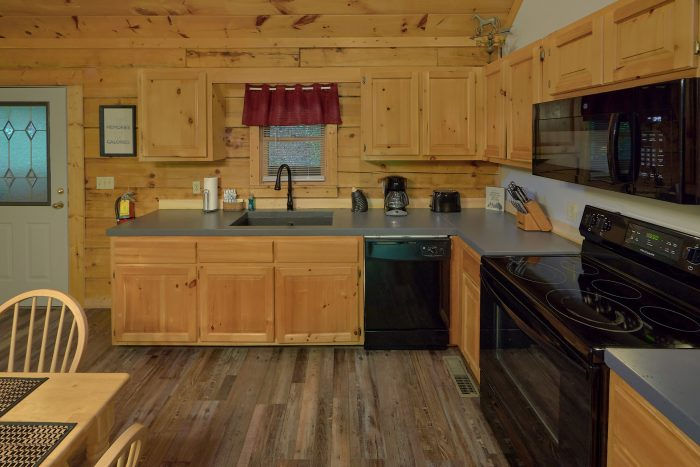 Pigeon Forge Cabin with Fully Equipped Kitchen - Absolute Heaven