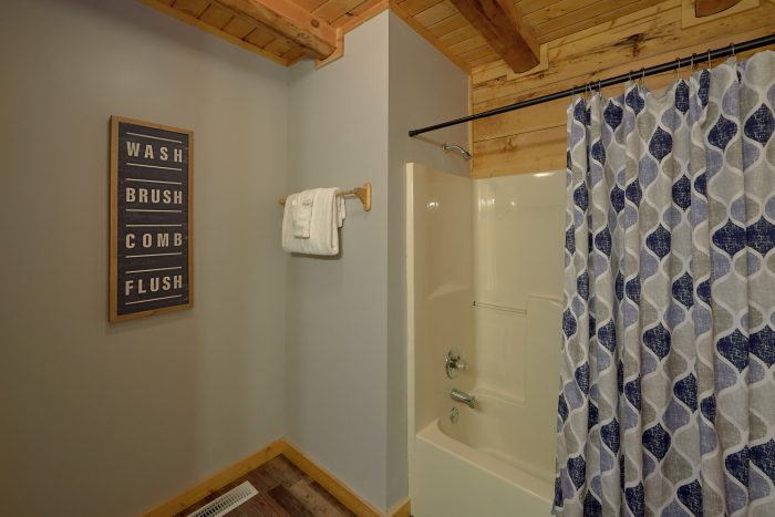 2 Bedroom Cabin with 2 King Bedrooms - Absolute Heaven