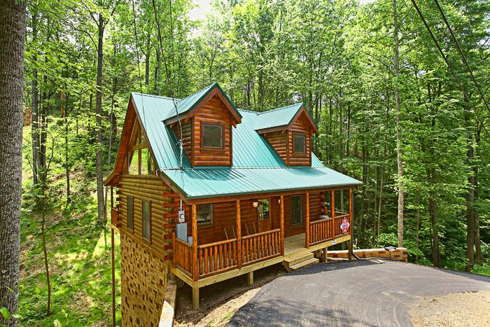 located cabins golf hole course top forge in pigeon cabin bedroom mountain inside mini retreat gatlinburg