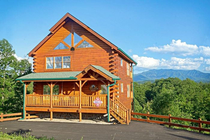Premium cabin pigeon forge adventure lodge for Gatlinburg dollywood cabins