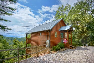 sidebar with on side near asheville and nc luxurious suite cabin above tv smokies honeymoon fire rustic right deck the fireplace cabins