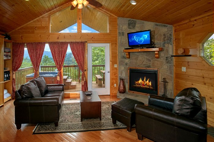 1 Bedroom Cabin with Living Room with Fireplace - Ain't No Mountain High Enough