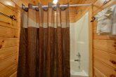 2 Bedroom Cabin 2 Bathroom Sleeps 8