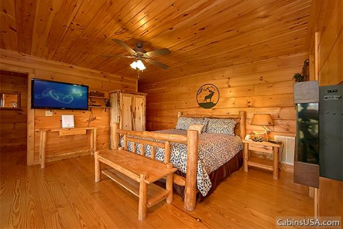 Pigeon Forge Cabin with Flat Screen TV's - Alone at Last