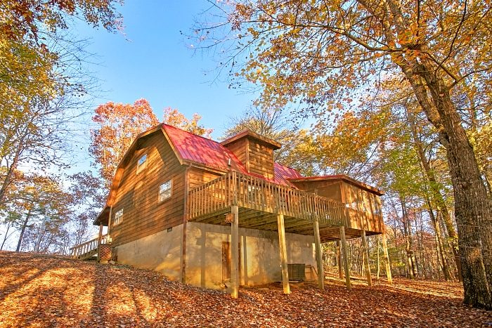 Alpine retreat smoky mountain cabin in wears valley tn for Wears valley cabin rentals secluded