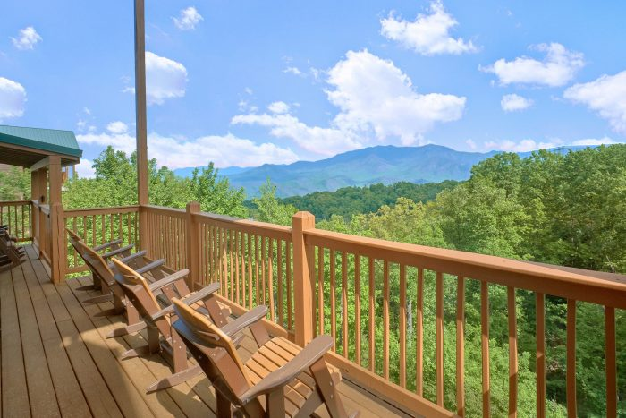 Luxury cabin with 5 bedrooms and mountain view - Amazing Views to Remember