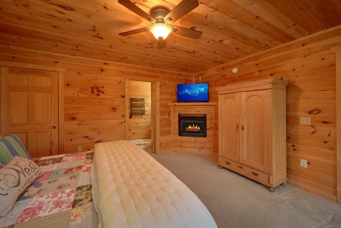5 bedroom cabin with King bedroom and bathroom - Amazing Views to Remember