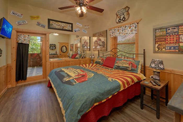 6 Bedroom Cabin with 4 Master King Bedrooms - American Dream Lodge
