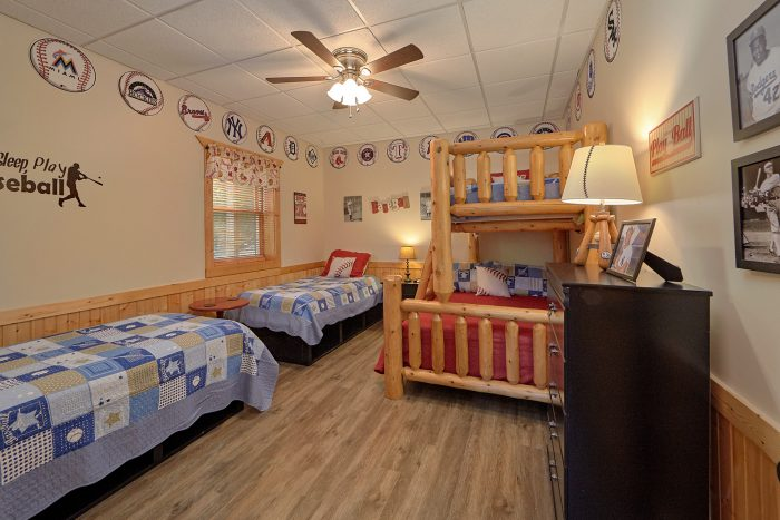 6 Bedroom Cabin with 4 Twin Beds and Full Bed - American Dream Lodge