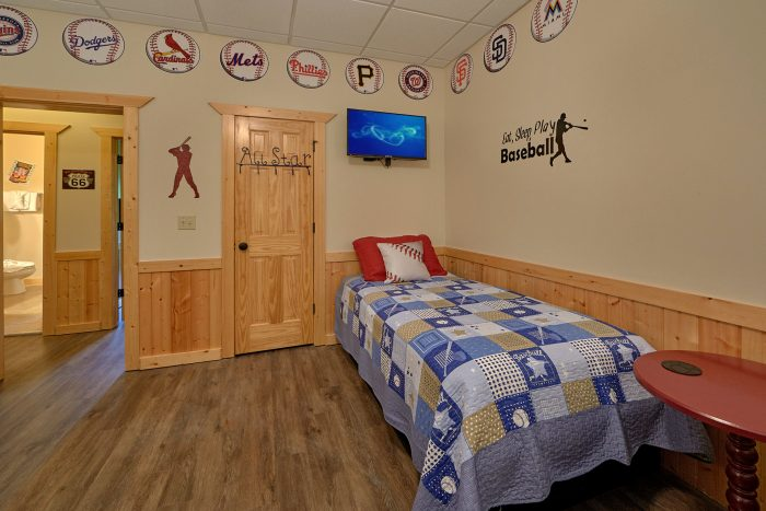 6 Bedroom Cabin with Bunk Bedroom for Kids - American Dream Lodge