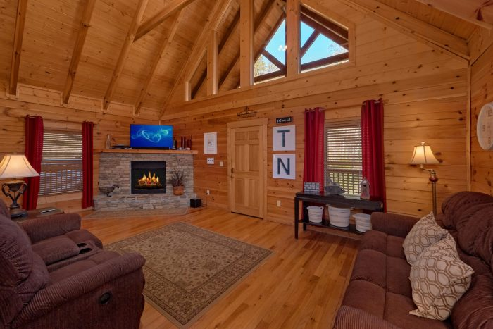 private pigeon forge cabin with fireplace american pie