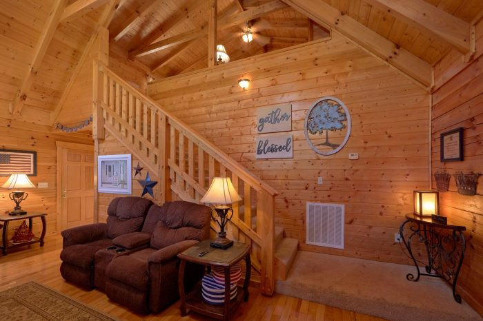 2 bedroom cabin near pigeon forge parkway with great views for Dining near gatlinburg tn
