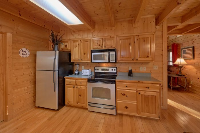 Luxury Cabin with Private King Bedroom - American Pie
