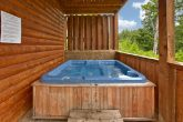 Smoky Mountain Cabin with a Premium Hot Tub