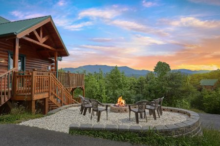 Good Times: 2 Bedroom Sevierville Chalet Rental