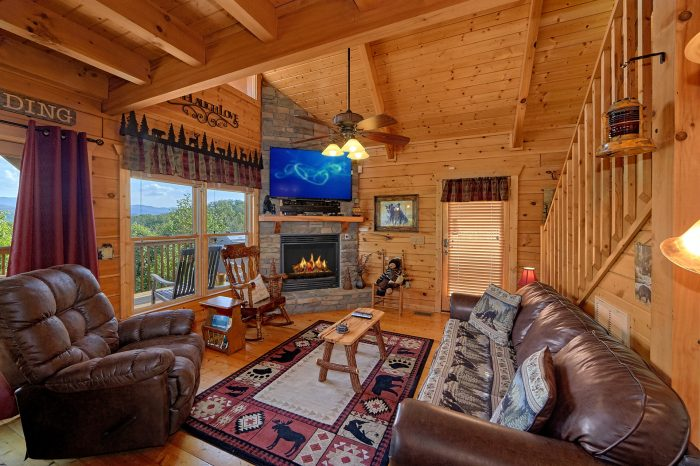 2 Bedroom Cabin with Mountain View and Fireplace - Angel's Landing