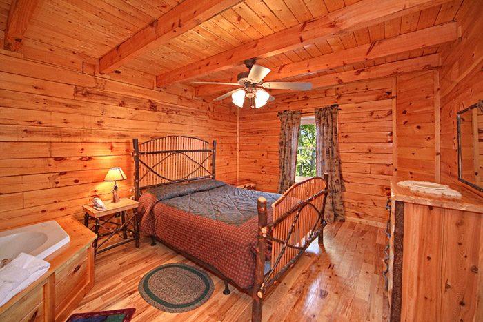 Honeymoon cabin near gatlinburg in sky harbor resort for Gatlinburg cabins for couples