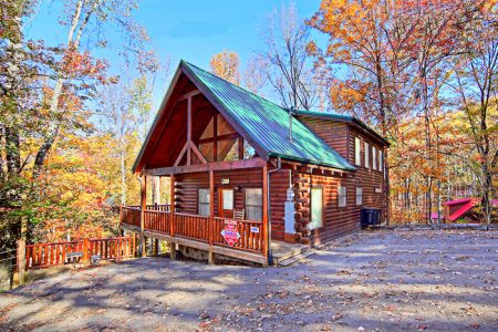 Bear Wood: 2 Bedroom Pigeon Forge Cabin Rental