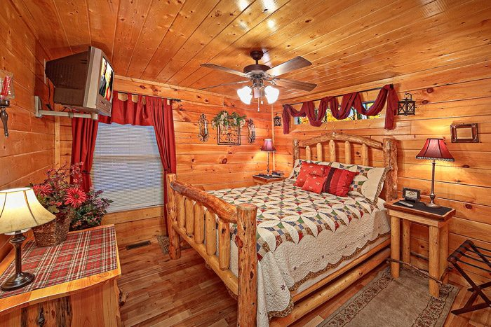 Two Bedroom Cabin with Queen Bedroom - Antler Ridge