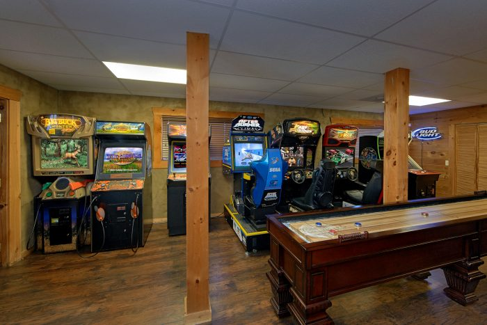 Game Room with Shuffle Board - Arcade At The Boondocks