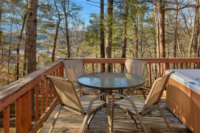 2 Bedroom Cabin with Deck and Hot Tub - Autumn Breeze
