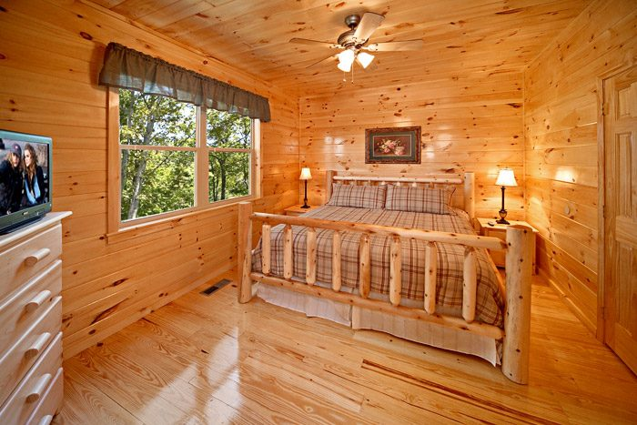 Cabin with King Bedroom - Awesome Views