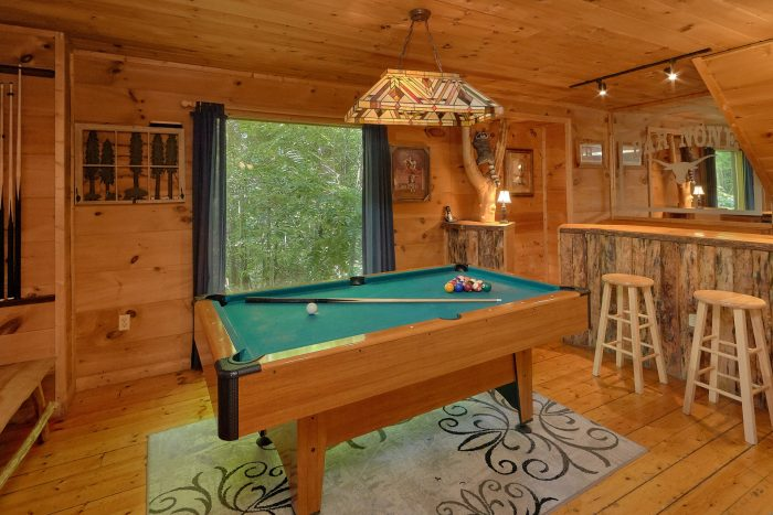 Cabin with Top Floor Bedrooms in Gatlinburg - Bar None
