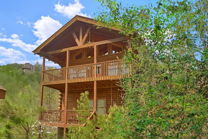2 bedroom cabin close to dollywood with mountain views for Gatlinburg dollywood cabins