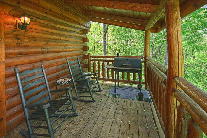 Cabin with Deck in the Smokies - Bear Crossing