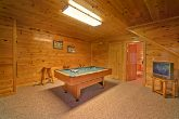 2 Bedroom Cabin with Luxurious Pool Table