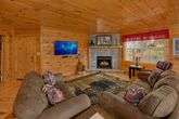 1 Bedroom Cabin with a Spacious Living Room