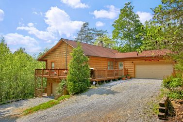 Secluded gatlinburg tn cabins and private chalet rentals for Private cabin rentals in tennessee