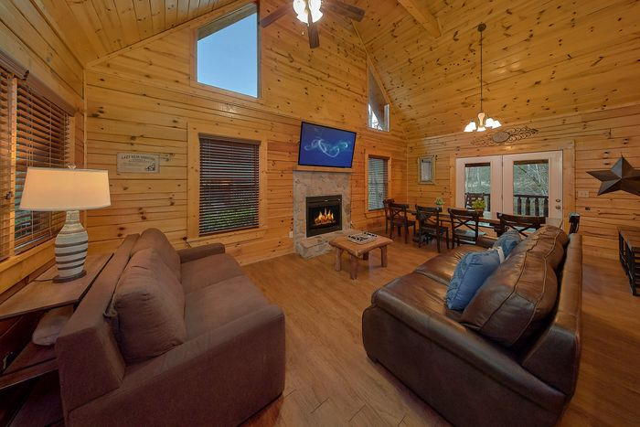 Living Room with Fireplace - Bear Play