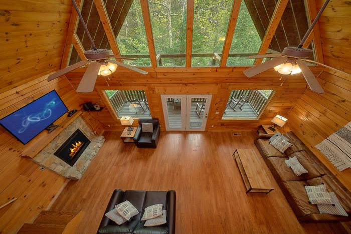 Cabin with Open Floor Plan - Bear Shack