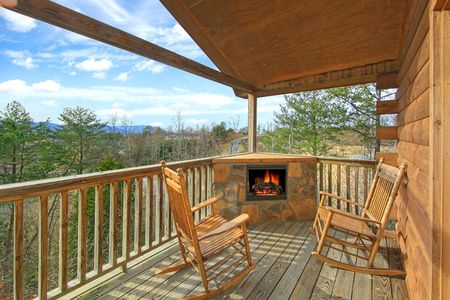 A Romantic Getaway: 1 Bedroom Gatlinburg Cabin Rental