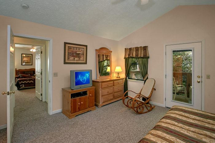 Chalet with Great Windows for View of Smokies - Bear Walk Chalet