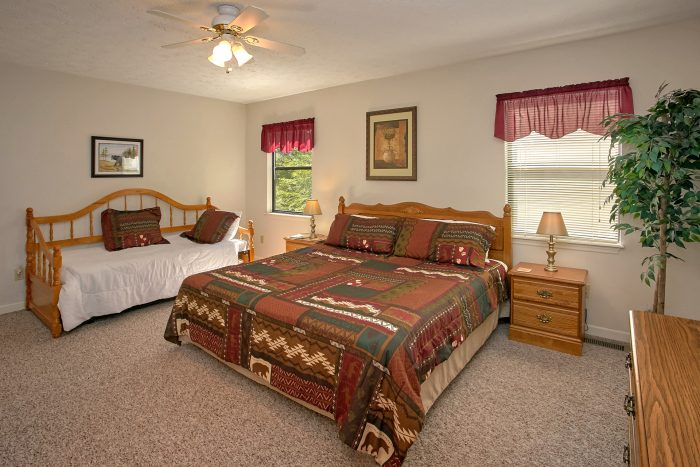 Bedroom with King Bed and Twin bed - Bear Walk Chalet