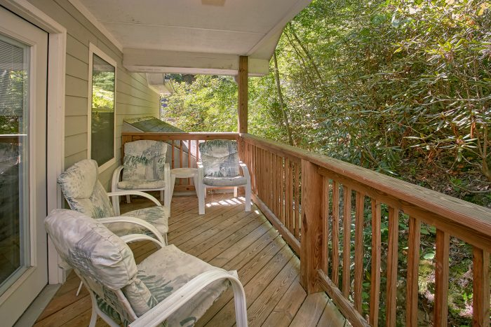 2 Bedroom Cabin with a Private Deck - Bear Walk Chalet