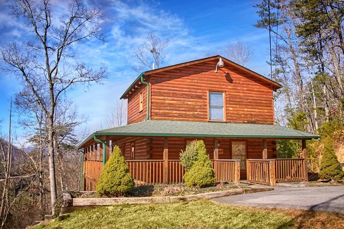 Secluded smoky mountain honeymoon cabin with view for Rent cabin smoky mountains