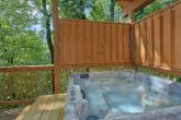 Private Hot Tub 1 Bedroom Cabin Sleeps 6
