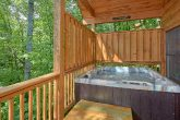 1 Bedroom Cabin Sleeps 6 with Hot Tub