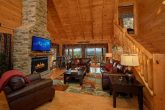 Luxury 4 Bedroom Cabin with LCD TV and Fireplace