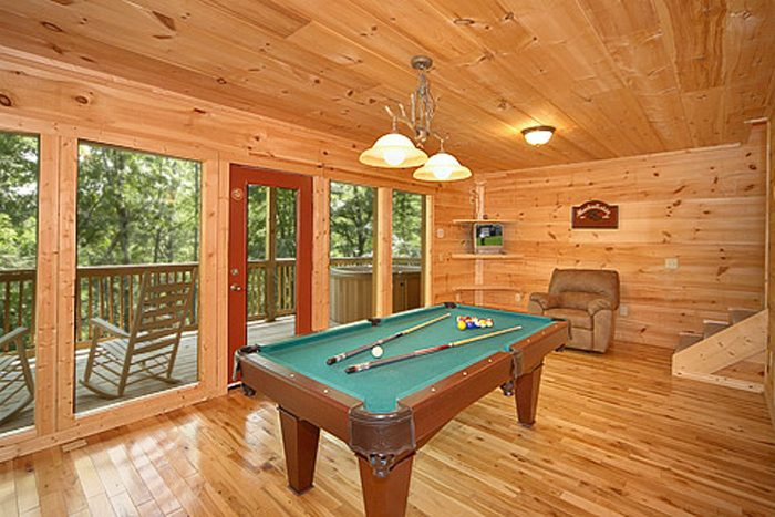 Smoky Mountain Cabin with a Game Room - Bear-rif-ic
