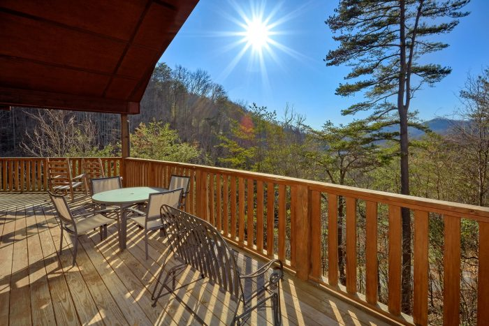 Affordable 2 Bedroom Cabin with a View - Bears and Beyond