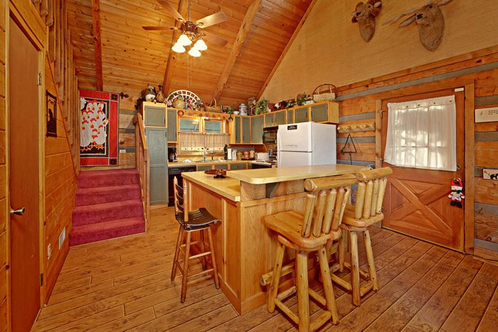 Fully Furnished Kitchen in Gatlinburg Cabin - Bears Den 2