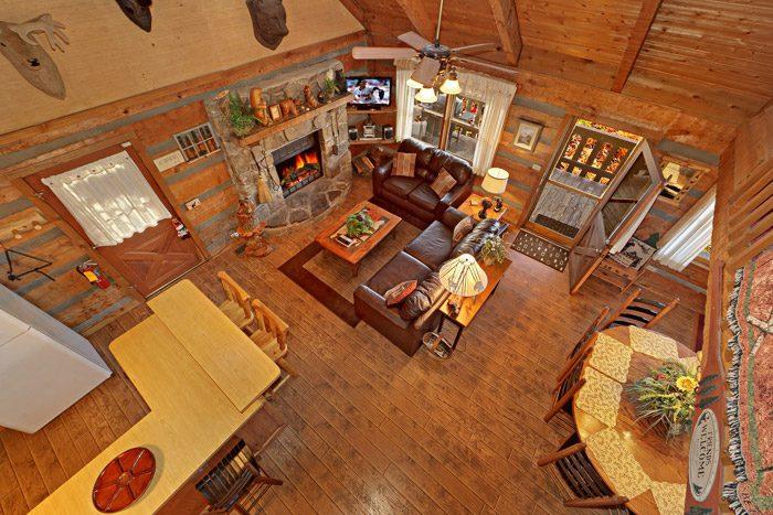Gatlinburg Cabin with Three Levels - Bears Den 2