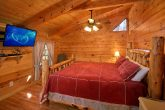 Cabin with Spacious King Suite and Private Bath