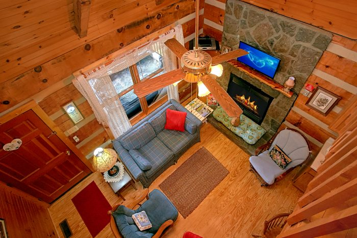 2 Bedroom Cabin with Spacious Room - Beautiful Getaway