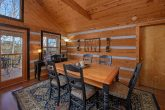 2 Bedroom Cabin Sleeps 6 with Dining Room