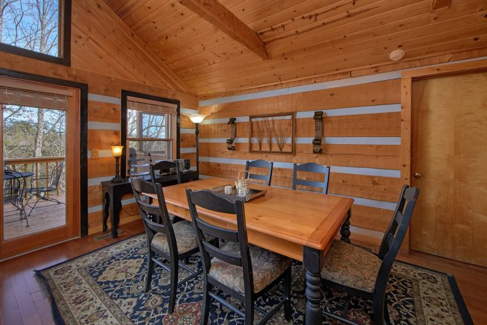2 Bedroom Cabin Sleeps 6 with Dining Room - Bella Casa